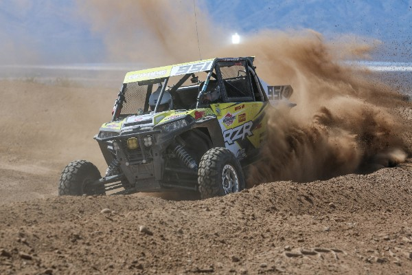 Mitch Guthrie Jr. using what power he can get at the Mint 400