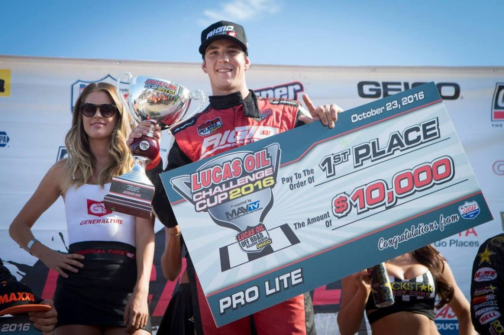 Jarett Brooks with his $10,000 Pro Lite Challenge Cup prize