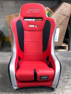 Single Podium Elite Seat in Red and Black